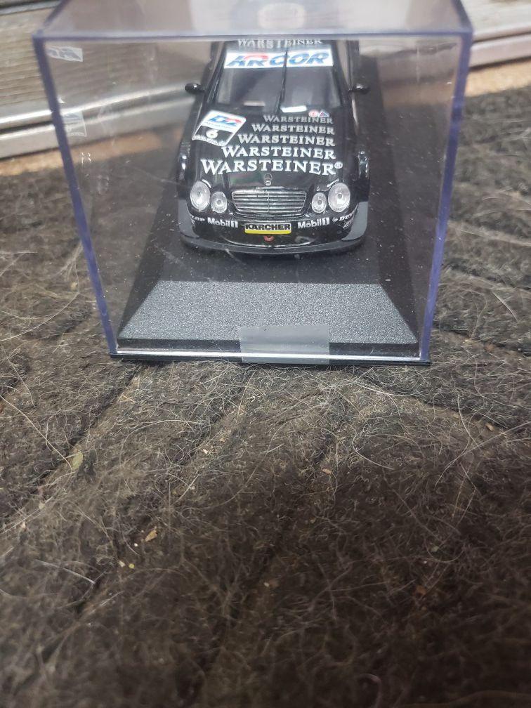 Mercedes-Benz minichamps 1/43