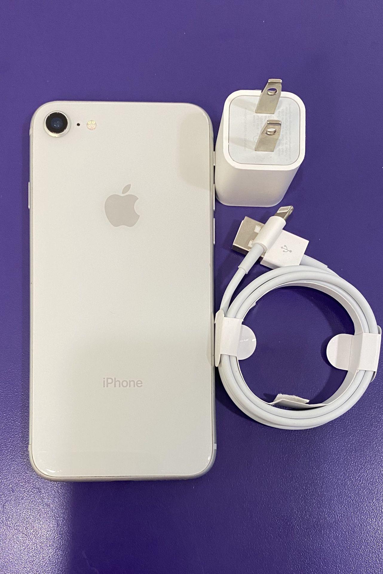 Factory unlocked apple iphone 8 64 gb, store warranty
