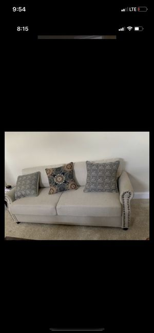 Photo Rooms To Go Loveseat sofa