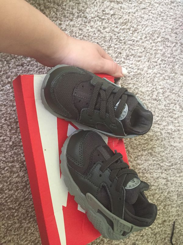 new concept be1d0 243c9 Nike huarache infant size 5 for Sale in Philadelphia, PA - OfferUp
