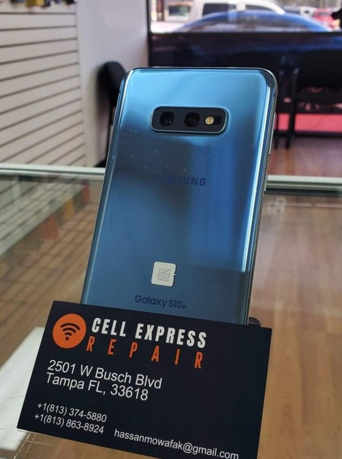 Samsung S10 E UNLOCKED LIKE NEW CONDITION WITH 30 DAYS WARRANTY