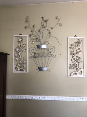 Wall decor for Sale in Adelphi, MD