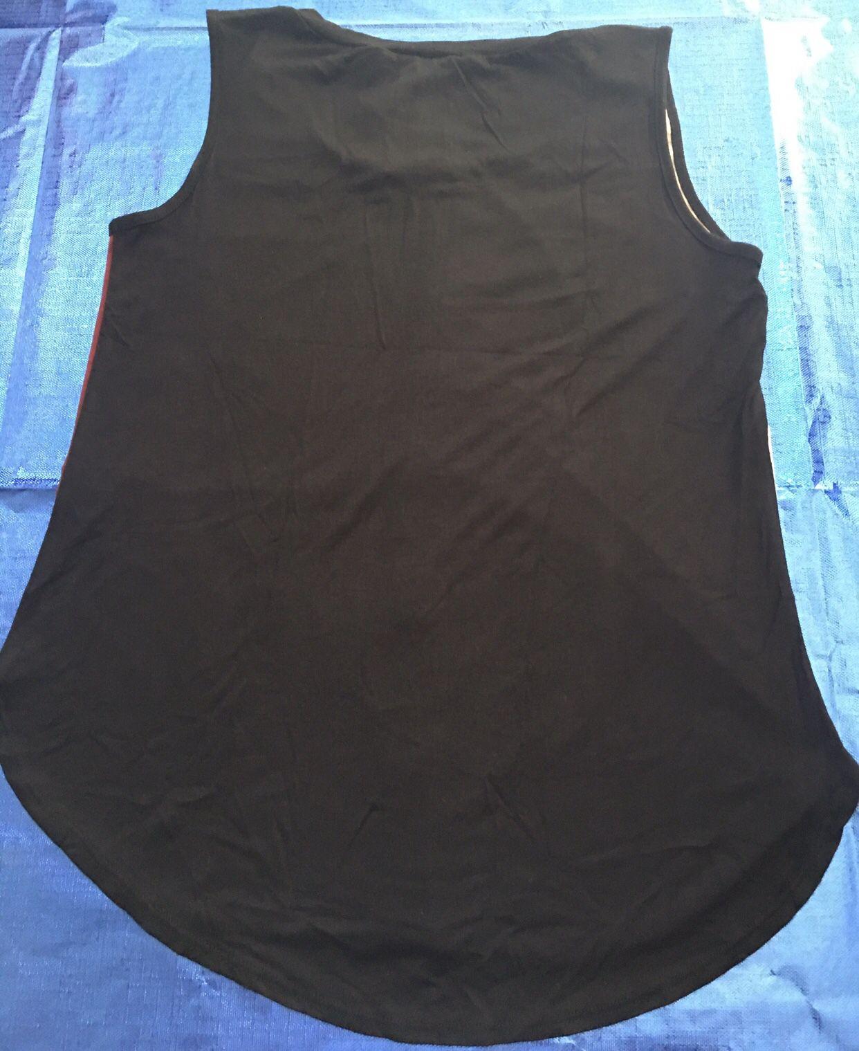 New Women's Medium Size Sleeveless Shirt ~Measurements Listed!