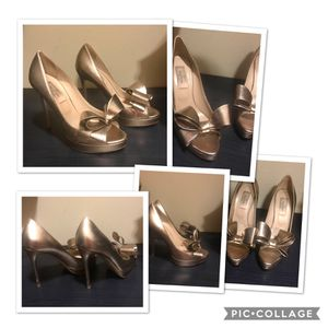Valentino Gold Bow Pumps Size 36.5 for sale  Tulsa, OK