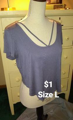 Woman's Large T-shirt Thumbnail