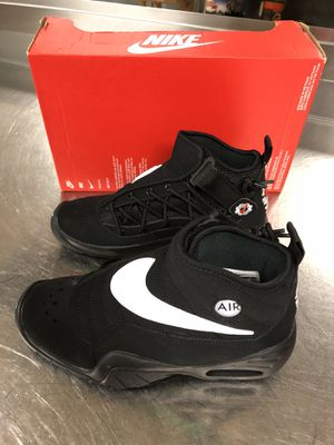 BRAND NEW NIKE AIR SHAKE YOUTH SHOES SIZE-5 YOUTH for Sale in Jessup, MD