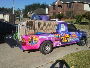 Mesas sillas brincolines a la rentar for Sale in Houston, TX