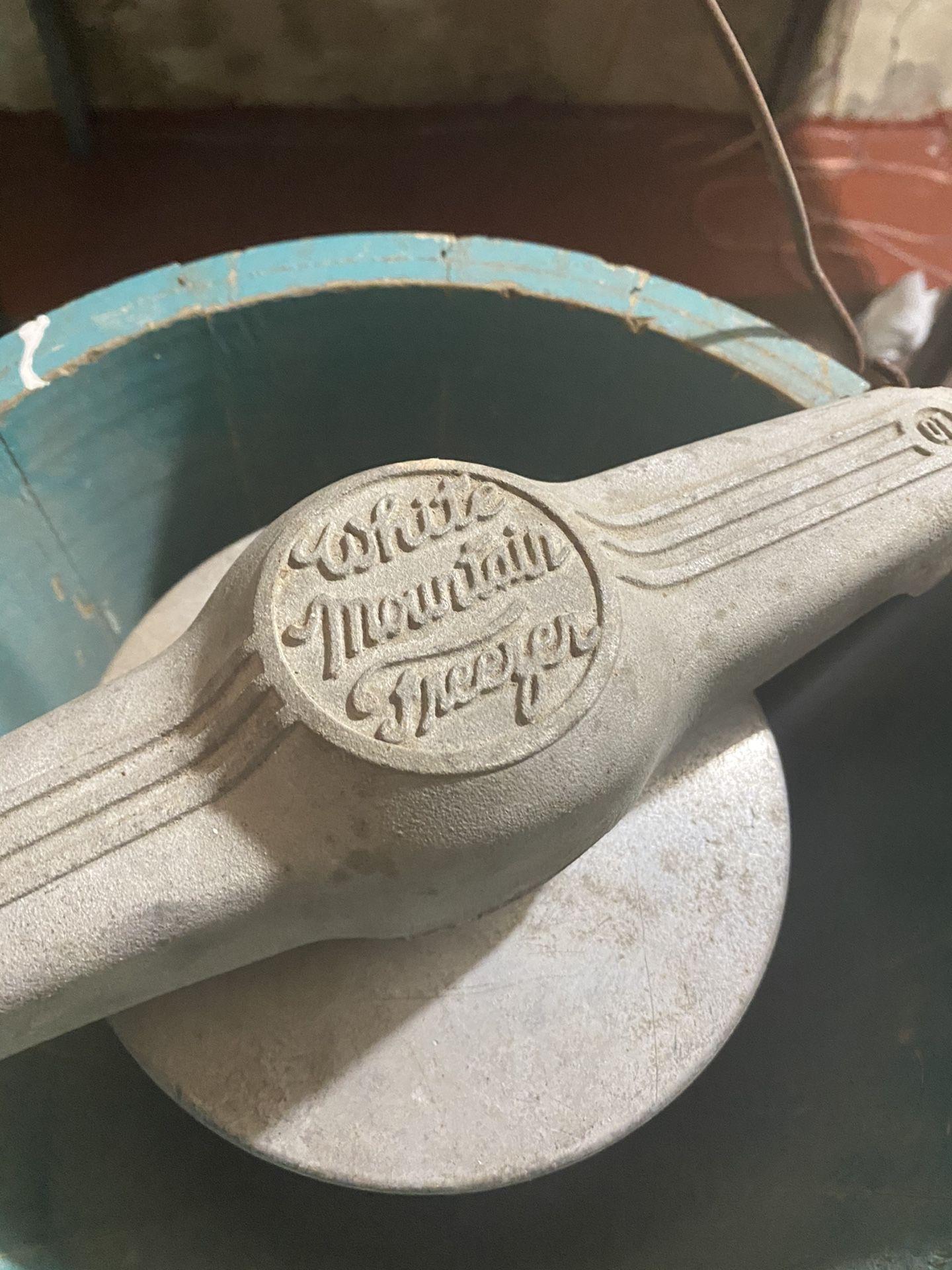 1923 6 qt ice cream maker
