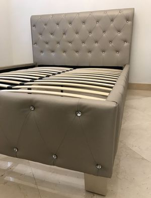 Brand New Queen Size Silver Leather Platform Bed for Sale in Silver Spring, MD