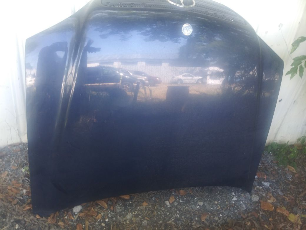 2001 Mercedes Benz Suv Hood for sale