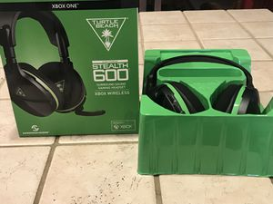 Xbox one wireless headset for Sale in Tampa, FL