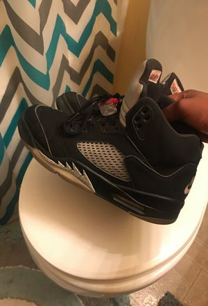 Metallic 5's sz 10 for Sale in Fort Washington, MD