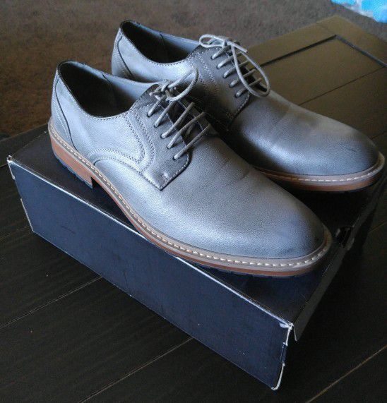 575bdecbb2f Perry Ellis Portfolio Dress shoes for Sale in Riverside