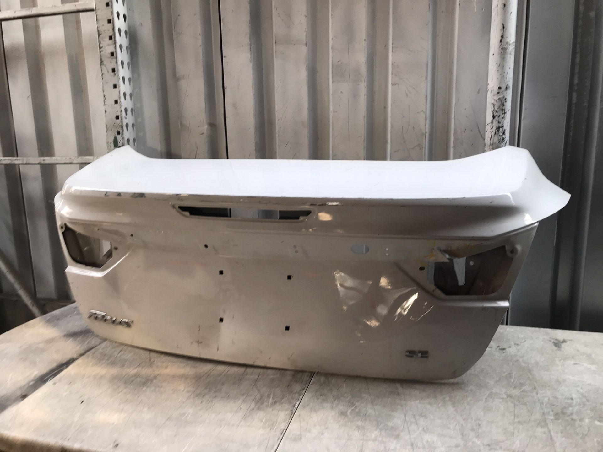 2012 2014 Ford Focus trunk lid