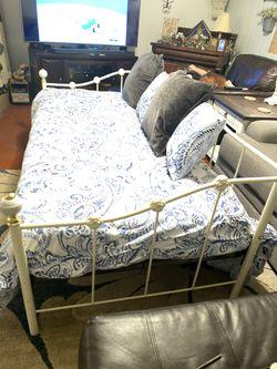 Nice Heavy Iron Bed Thumbnail