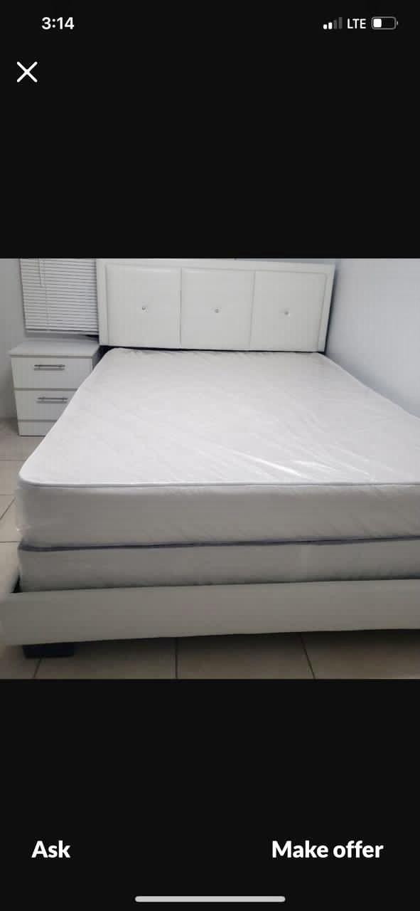 BEDROOM SET BRAND NEW!