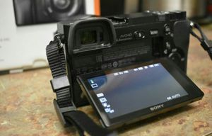 Sony a6000 with oss 16-50 kit lens for Sale in Orlando, FL