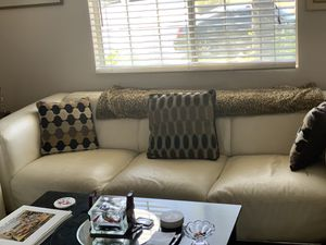 Admirable New And Used White Leather Couch For Sale In Los Angeles Ca Inzonedesignstudio Interior Chair Design Inzonedesignstudiocom