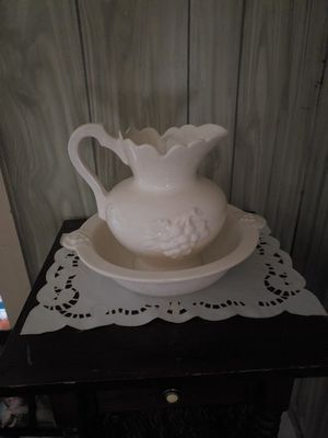 Bowl and pitcher set for Sale in Farmville, VA