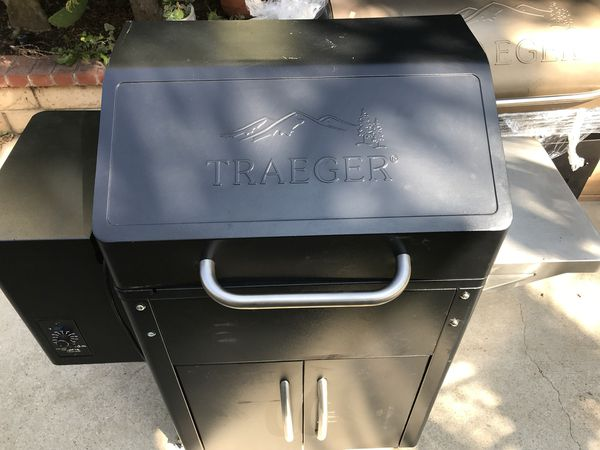 Traeger Silverton Grill- like New Condition for Sale in Ventura, CA -  OfferUp