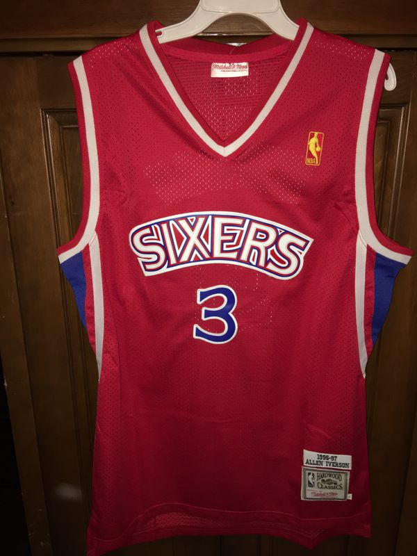 quality design 28abd 76fcb Philadelphia 76ers Sixers Iverson Jersey Red L throwback for Sale in Miami,  FL - OfferUp