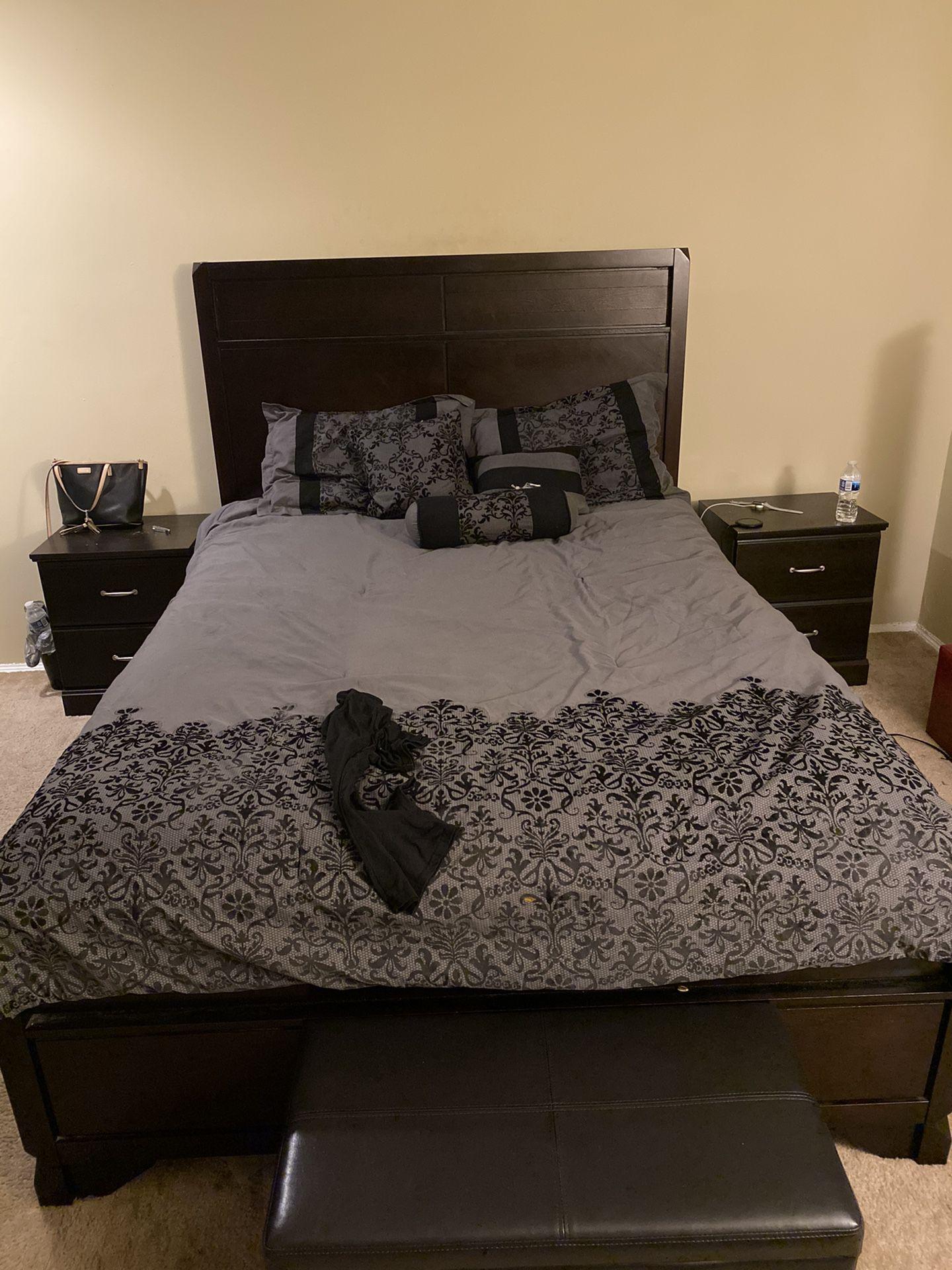 Espresso / Brown Queen Size Bed Room Set