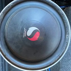 Solo Baric 12  With A 400.1 kicker Amp Thumbnail