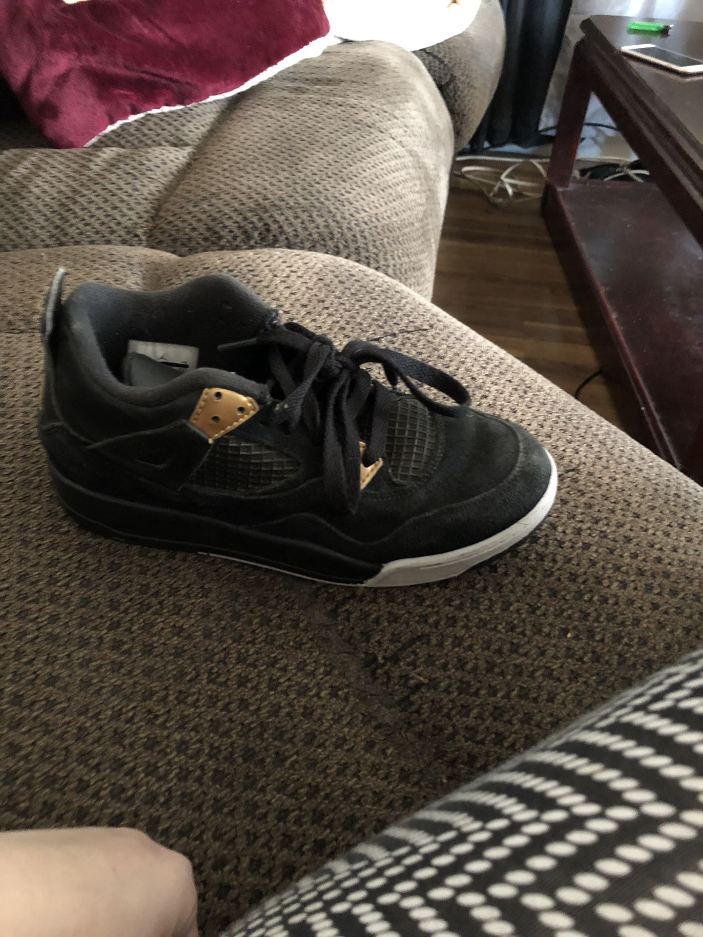Jordan 4 Royalty's