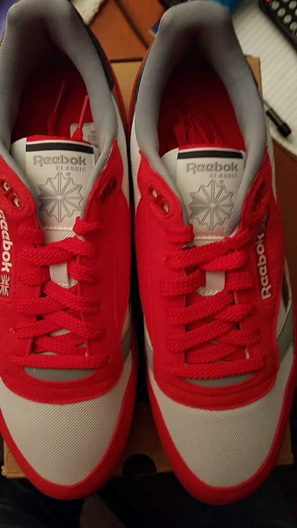 891663c43a21b Reebok CL LEATHER RSP Size 9 MEN for Sale in Grandview