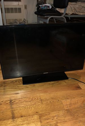 Samsung 32 inch TV for Sale in New York, NY