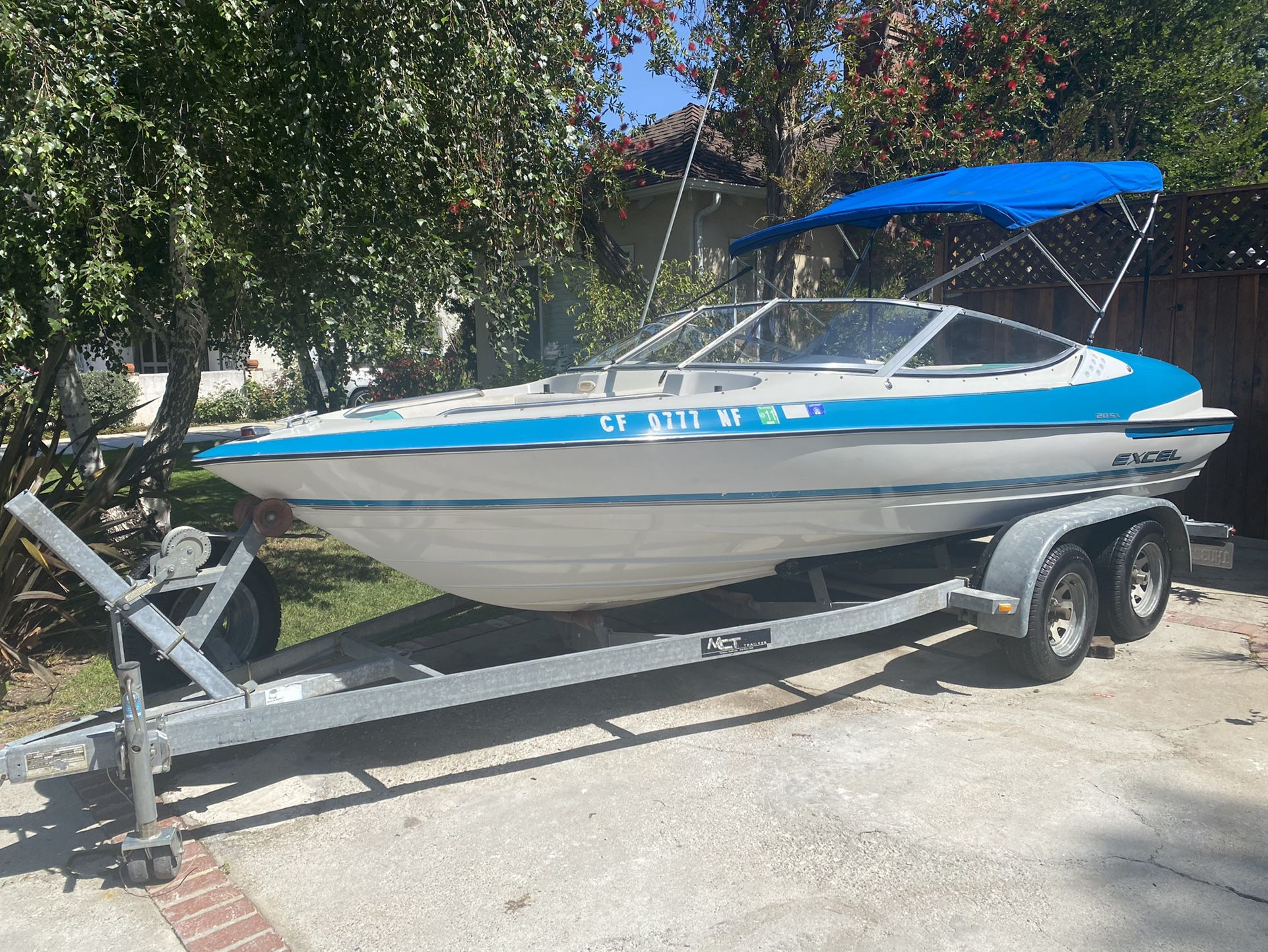 Photo 1993 Excel 20FT Open Bow Ski Boat
