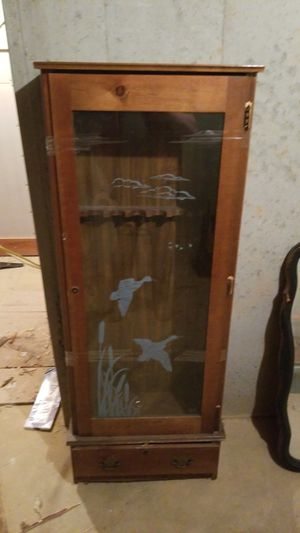 Antique Gun Cabinet for Sale in Marshall, VA