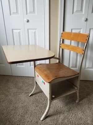 Photo Wooden And Metal Vintage School Desk Cream/Oak