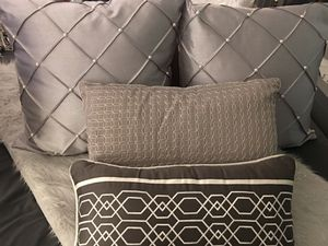 4 designer toss pillows (different shades of gray for Sale in Waldorf, MD