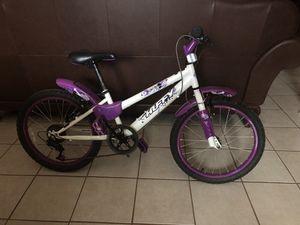Girl's Huffy bike for Sale in Clinton, MD