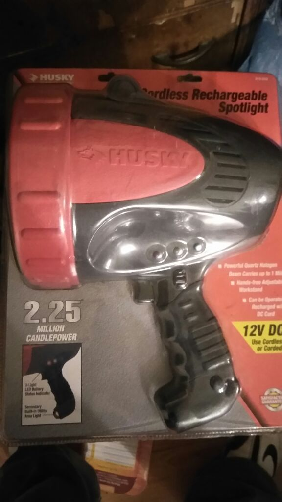 HUSKY SPOTLIGHT,CORDLESS (RECHARGEABLE) for Sale in East Los Angeles, CA -  OfferUp