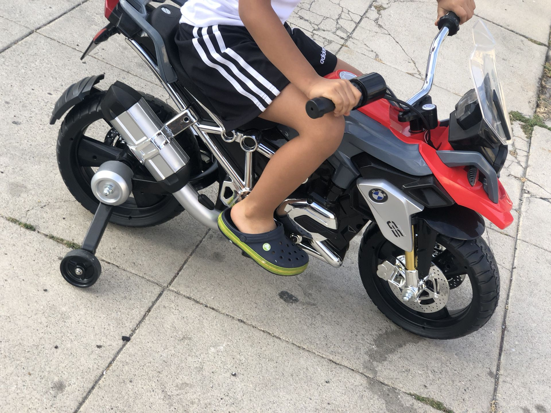 Bmw  Toddler W Charger   Olmost New