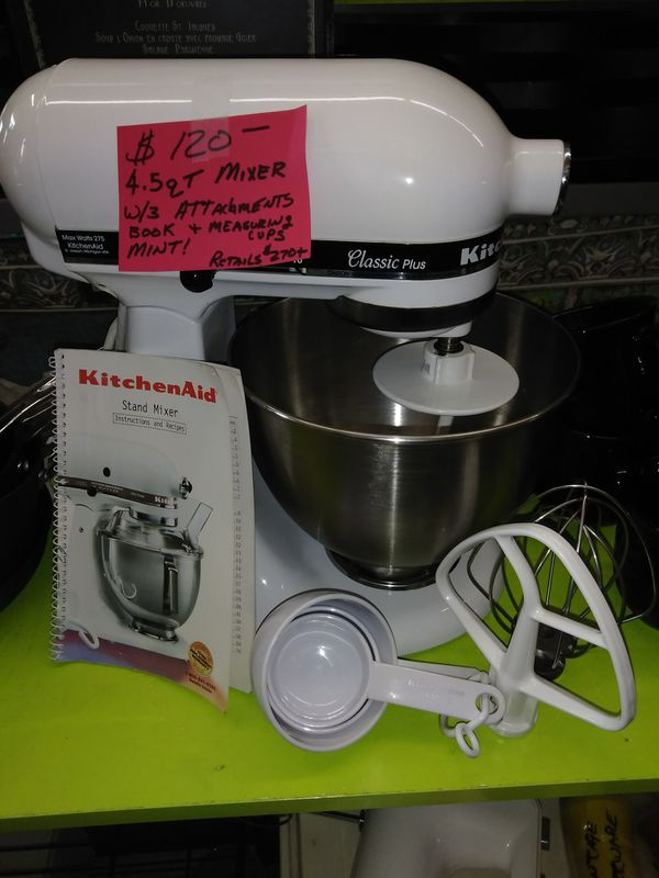 KitchenAid Clic Plus Mixer w extras for Sale in Riverview, MI ... on