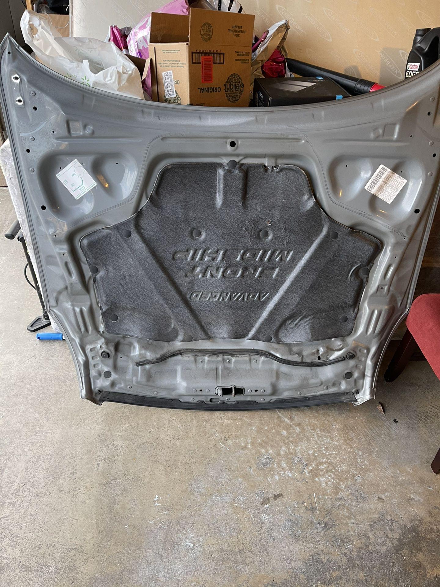2005 g35 coupe hood