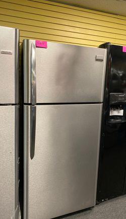 Frigidaire top freezer refrigerator Thumbnail