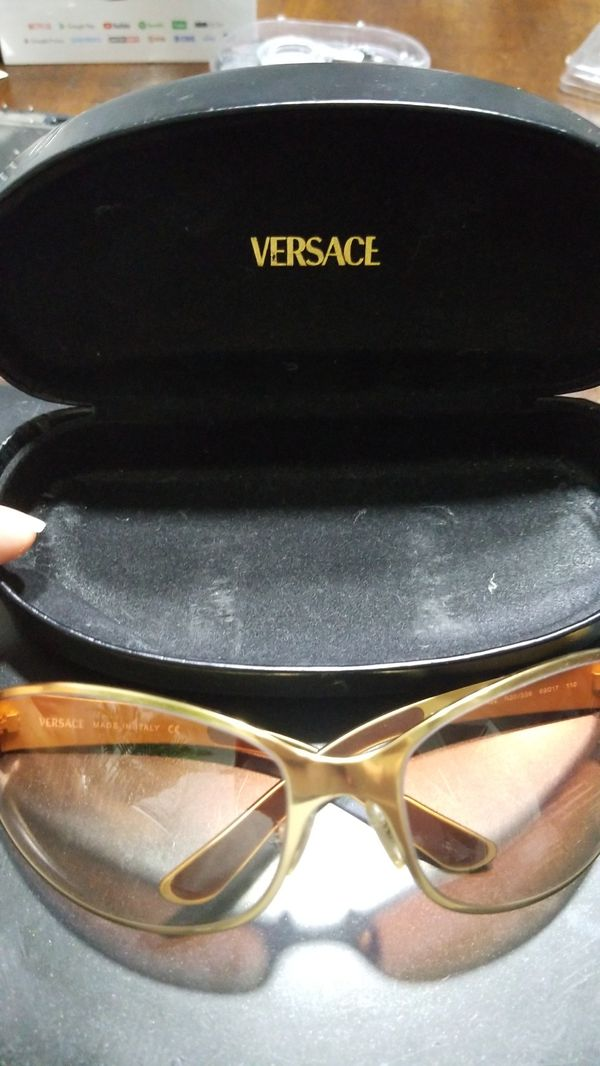 89381e9b7a0c ORIGINAL VERSACE SUNGLASSES...PICK UP IN WEST KENDALL...BEST OFFER TAKE  IT....THANKS (Jewelry   Accessories) in Miami