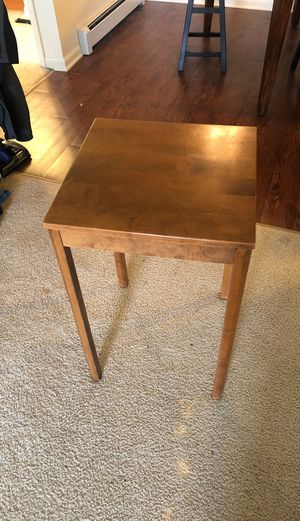 Photo Ethan Allen solid maple tall end table