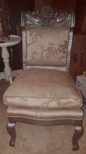 Carved silver leaf antique chair for Sale in Casselberry, FL