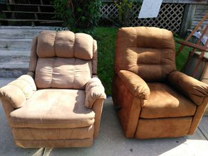 Recliner for Sale in Columbus, OH