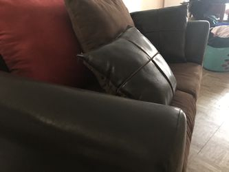 Nice comfortable couch .!!!! Thumbnail