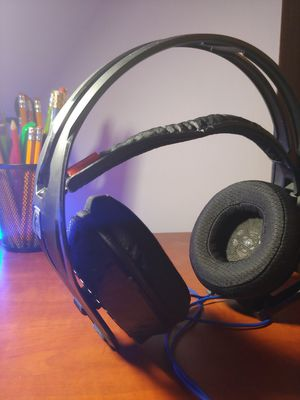 Black and Blue Gaming Headphones (WIRED) for Sale in Somerville, MA