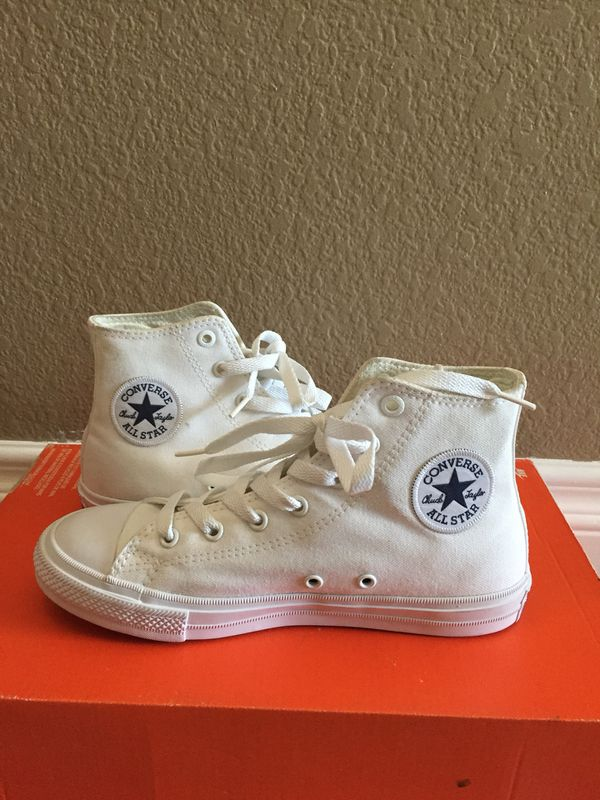 !!WHITE CONVERSE ALL STAR..YOUTH SIZE 3..NEW!! for Sale in Perris 5216477d7