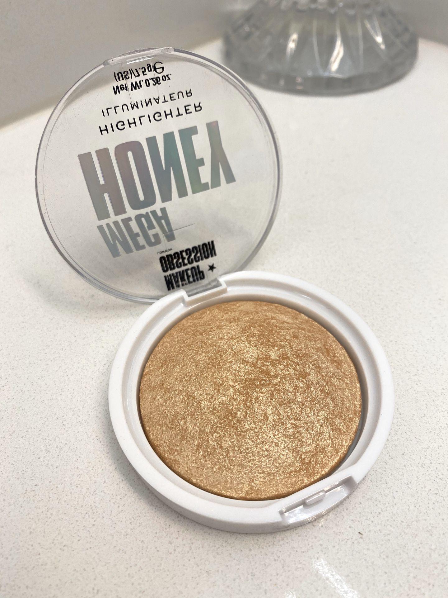 Makeup Obsession Mega Honey Highlighter