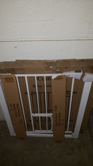 Photo Euc- Cumbor 37.8. Auto Close Safety Baby Gate, Extra Tall Durable Dog Gate with Door