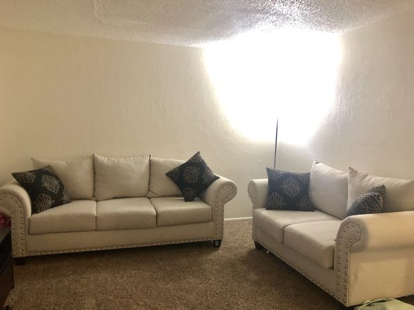 Woodhaven Beverly Sofa and Love seat set for Sale in Albuquerque, NM -  OfferUp